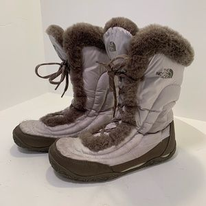 The north face snow boots women's 7.5